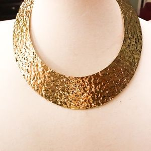 Gold tone fashion necklace with earrings